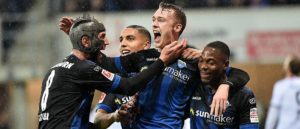 Paderborn keeps up in the relegation battle with a 2-1 against Eintracht Frankfurt